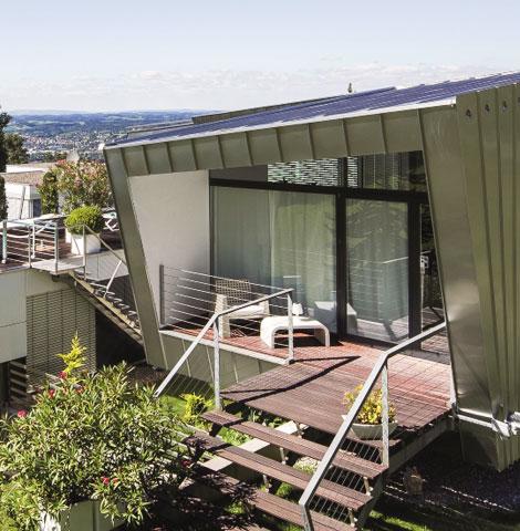 Roofinox Classic Stehfalzfassade aus HFX Edelstahl