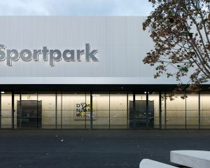 Roofinox Classic Fassade aus Edelstahl Sportpark Graz