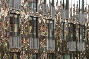 H6 in Berlin mit Roofinox Edelstahl Fassade