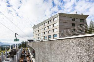 Edelstahl Dach des Säntis Hotels