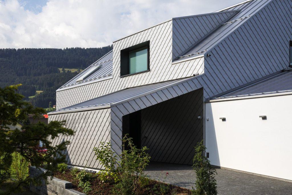 Quadratschindel für Dach und Fassade aus HFX Edelstahl